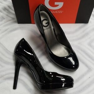 G by Guess platform pumps 8 black patent